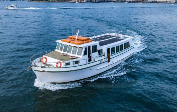 Boat Hire on Galene – Package for 80 Guests