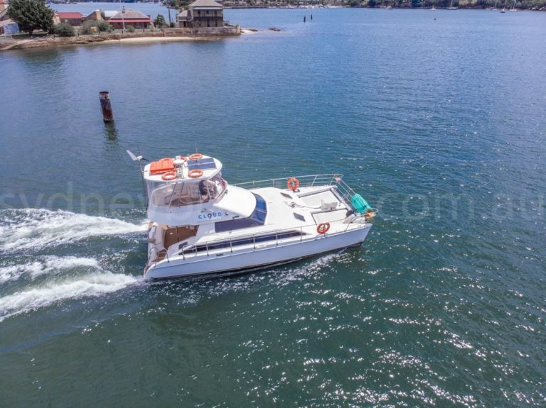 Sydney boat hire on cloud 9 11