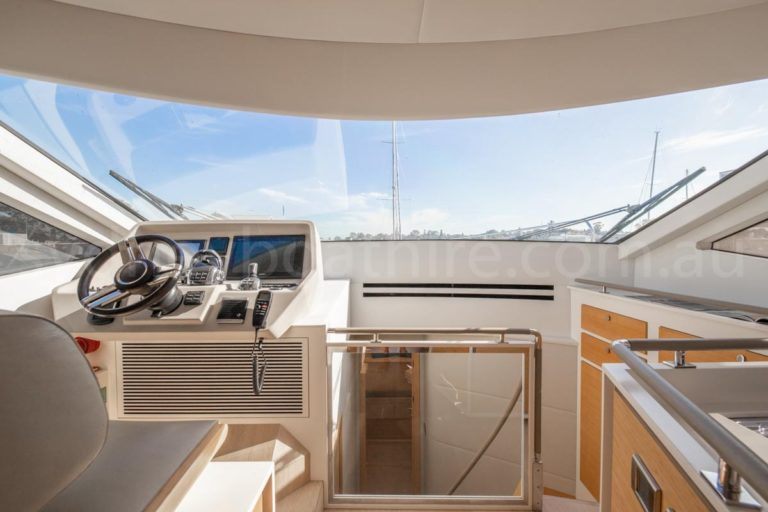 Sydney boat hire on impulse 45