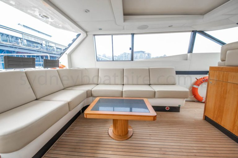 boat hire sydney on element 39