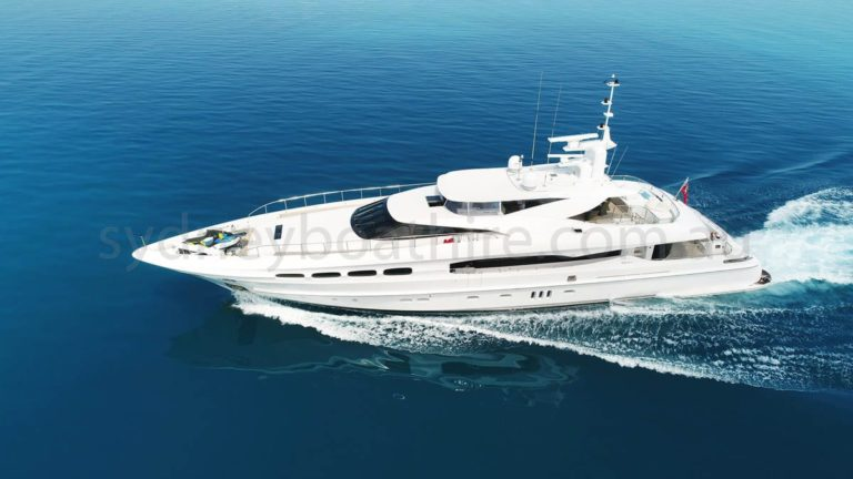 boat hire sydney on infinity pacific 40