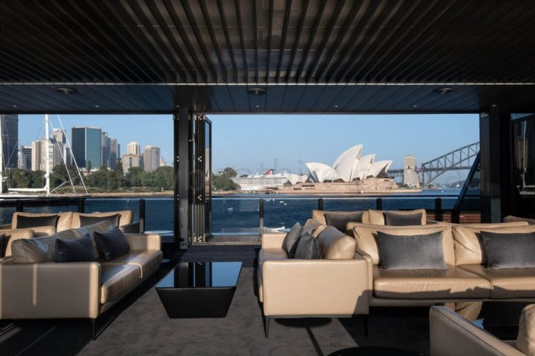 boat hire sydney on starship sydney 90